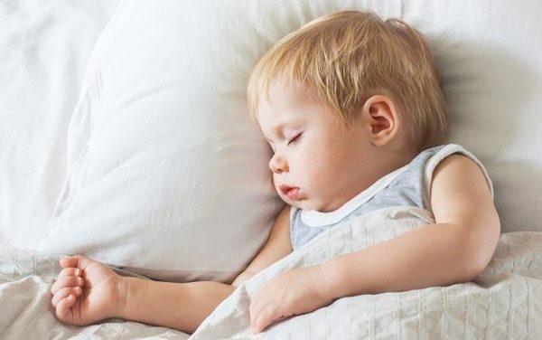 Os desafios de colocar os filhos para dormir