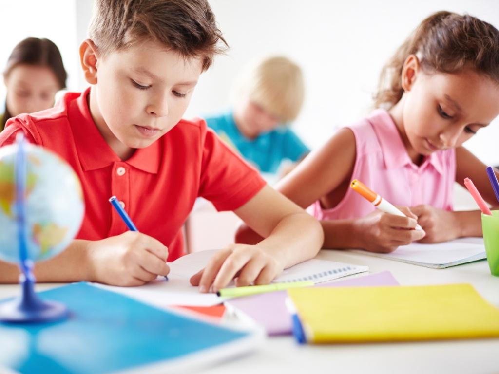 crianca-estudando
