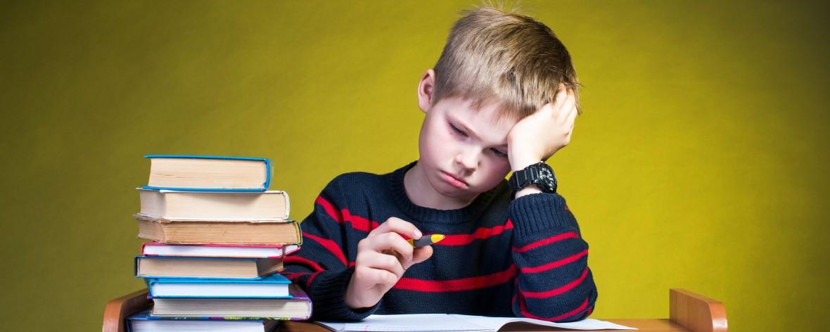 Lição de casa não precisa ser sinônima de brigas e stress