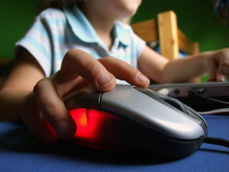 SBP alerta sobre como prevenir exposição de crianças e adolescentes na internet