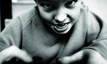 Fábrica de crianças e jovens violentos