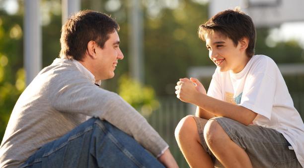 Seu filho é do tipo caladão? Com essas 8 dicas, você quebra o gelo