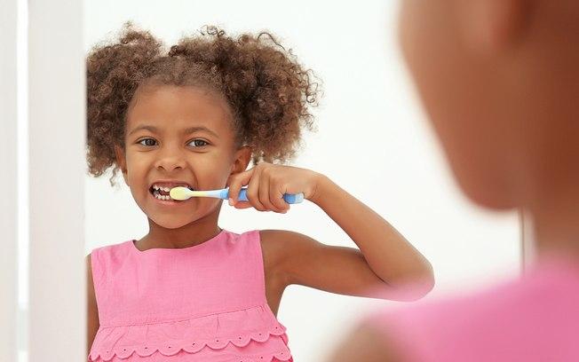 Como os pais podem influenciar na saúde bucal dos filhos?